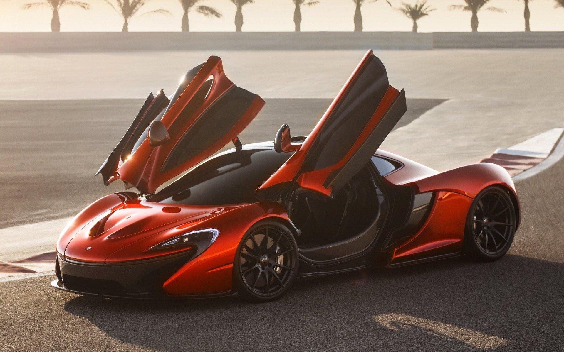 Первый гибридный суперкар McLaren выходит на финальную стадию испытаний