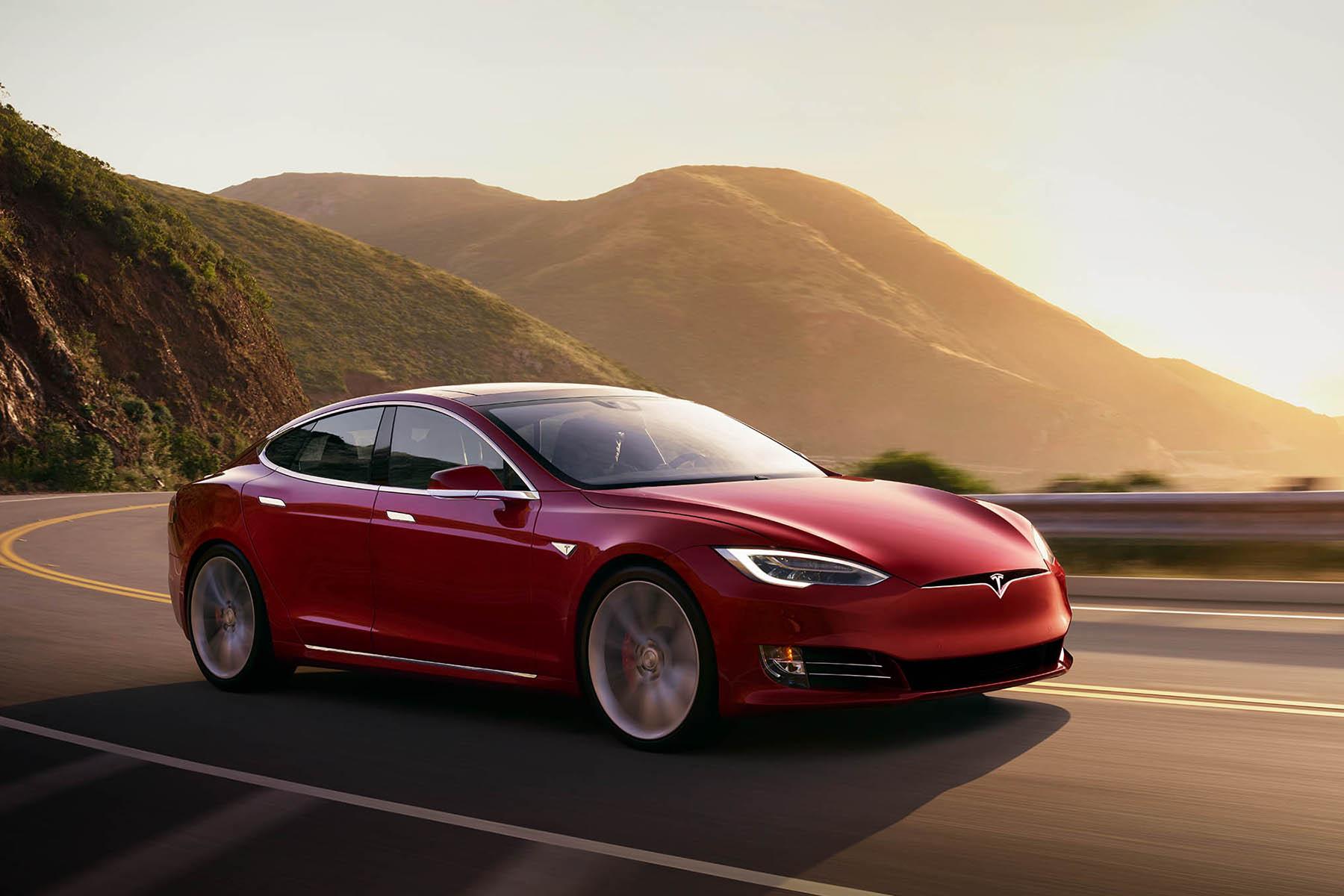 Новый рекорд Tesla: 646 км без подзарядки