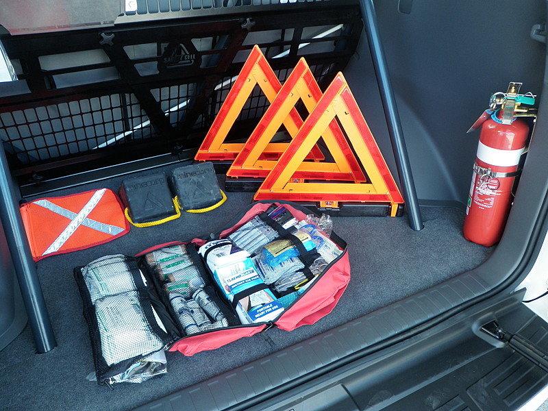 Что обязательно должно быть в багажнике авто